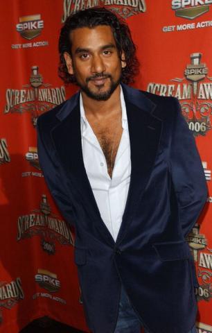 Peso y altura de Naveen Andrews