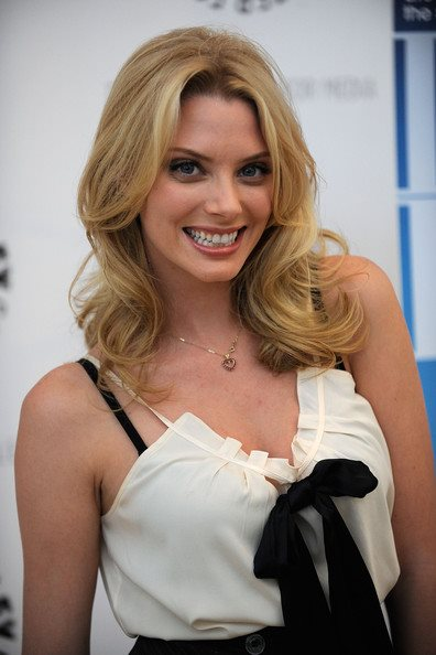 Peso y altura de April Bowlby