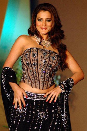 Peso y altura de Amisha Patel