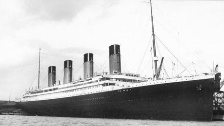 Cuanto pesaba el Titanic. Peso del titanic